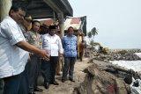 Cegah abrasi pantai, Padang Pariaman tambah grip pemecah ombak di Ulakan