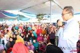 Zulkifli Hasan mengatakan ilmu pengetahuan bisa memutus rantai kemiskinan