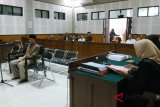 Terdakwa korupsi retribusi wisata gili dituntut 16 bulan