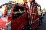 Kendaraan-kendaraan pengangkut logistik mengalir ke Palu