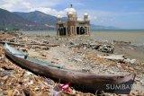 Kondisi Masjid Terapung pascagempa-tsunami di Palu