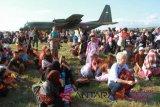 Ribuan warga antre di Bandara menunggu evakuasi