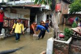 Air banjir masih genangi rumah warga