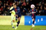Raksasa Spanyol Real Madrid tunda perburuan Mbappe hingga musim depan