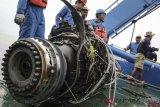 Evakuasi turbin pesawat Lion Air JT 610