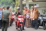 Jokowi bakal borong 100 sepeda motor listrik Gesits