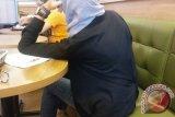 Posisi duduk penderita nyeri pinggang jangan membungkuk
