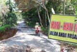 Jalan penghubung antarkecamatan di Padang Pariaman amblas