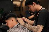 Pelayanan dan hasil pangkas rambut terbaik di Mutual Barbershop