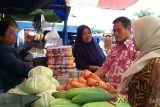 Pedagang Pasar Legi korban kebakaran belum tempati pasar darurat