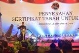 Gubernur Sulsel serahkan 3.000 sertifikat tanah bagi petani