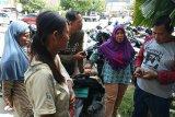 RSUD Ibnu Soetowo diduga tahan bayi pasien