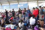 Gubernur Sumsel tinjau posko pengungsian di Lampung Selatan