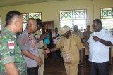 Bupati Asmat ajak warga dukung Kepala Distrik Atsy
