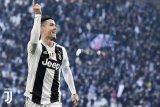 Siapakah yang lebih baik eksekusi penalti antara Ronaldo dan Messi?