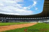 Pembangunan atap Stadion Barombong rampung