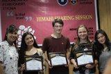 Unibos Makassar gelar