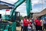 Caleg PDIP bergotong royong tangani normalisasi irigasi di Kabupaten Tegal