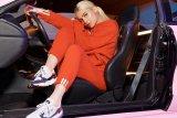 Mini Ferrari dan Lamborghini jadi kado natal Kylie Jenner untuk putrinya