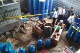 Pabrik minuman keras berskala besar di Kudus digerebek polisi (VIDEO)