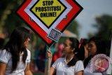 Para model diperdagangkan untuk prostitusi di Surabaya