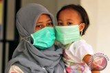 Batuk disertai sesak nafas menjadi gejala khas pneumonia