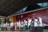 Peringati puncak hari ibu, istri-istri menteri nyanyikan lagu Bunda di Bukittinggi