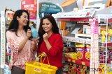 Alfamart kurangi penggunaan kantong plastik, konsumen bayar Rp200/kantong