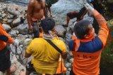 Setelah delapan hari pencarian, Tim BPBD Pasaman Barat temukan korban hanyut