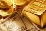 Harga emas perpanjang kerugian karena ekuitas, dolar membalikkan tren turun