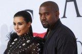 Kim Kardashian copot nama Kimono untuk