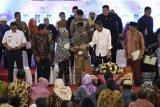 Presiden serahkan 3.000 sertifikat tanah di Jakarta Barat