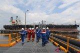 Nilai ekspor minyak mentah Riau anjlok 82,54 persen. Begini penjelasannya