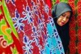 Batik Bono Produksi Rumah Batik Andalan Binaan PT RAPP Jajal pasar Luar Negeri