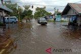 Hujan Deras Sebabkan Banjir di Sejumlah Ruas Jalan di Tembilahan