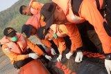 Tim SAR evakuasi jenazah penambang pasir di Sungai Serayu