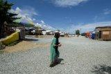 Huntara bocor, pengungsi gempa begadang