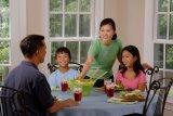 Alasan harus mengutamakan meja makan dari perabotan rumah lainnya