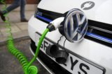 Volkswagen luncurkan stasiun pengisian daya mobil listrik