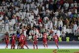 Kemenangan Qatar atas UEA diwarnai insiden pelemparan sandal