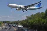 Harga tiket pesawat mahal, Luhut minta publik sabar
