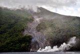 BNPB: Belasan KK diungsikan akibat aktivitas Gunung Karangetang