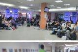 Ruang Tunggu Keberangkatan Bandara Syamsudin Noor Banjarmasin, Kamis (7/2) siang penuh sesak oleh penumpang yang mengalami keterlambatan terkait dengan  terkelupasnya Bandara Juanda Surabaya.