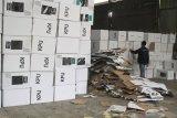Sebanyak 1.436 kotak suara di Cirebon kena air hujan