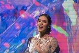 Penyanyi Raisa berbelasungkawa atas meninggalnya Sutopo Purwo Nugroho