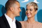 Katy Perry dan Orlando Bloom dambakan kastil Irlandia untuk perkawinan