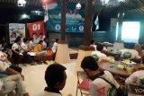 Pengusaha muda pendukung Jokowi-Ma'aruf di Yogyakarta nobar debat capres putaran kedua (VIDEO)