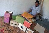 Hito Craft Rintis Kerajinan Kertas dari Pisang, Begini Cara Buatnya