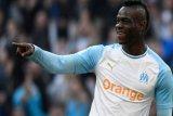 Balotelli cetak gol ke gawang mantan klubnya, Marseille menang