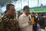 Menteri Perindustrian serahkan bansos untuk seribu PKH NTB